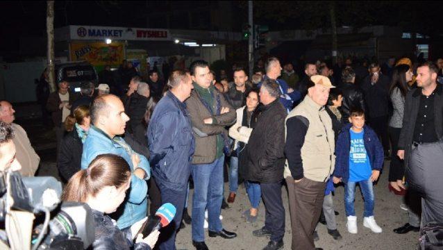 Basha del NË KRYE të protestës së studentëve/ PROTESTA te Unaza dhe ajo e Ministria e Arsimit të jenë…