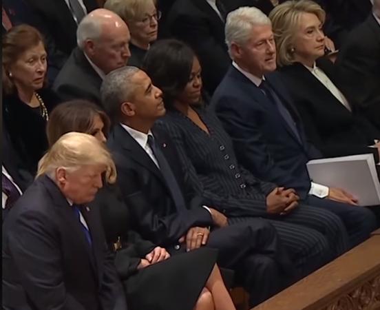 FUNERALI I BUSH/ Trump përshëndetet me Obaman, shmang Clinton (VIDEO)