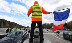 """REVOLTA E """"JELEKËVE TË VERDHË""""/ Godet tregtinë dhe turizmin në Francë, Le Maire: Katastrofë"""