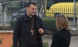 """""""MË DUKET VETJA I PAFUQISHËM PËRBALLË...""""/ Dom Gjergj Meta: Shqipëria vuan nga zhurma e politikës dhe kakofonia"""
