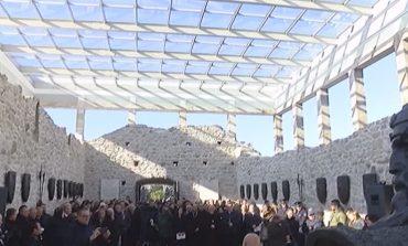 NDERIMI I HEROIT KOMBËTAR/ Hapet memoriali i Skënderbeut