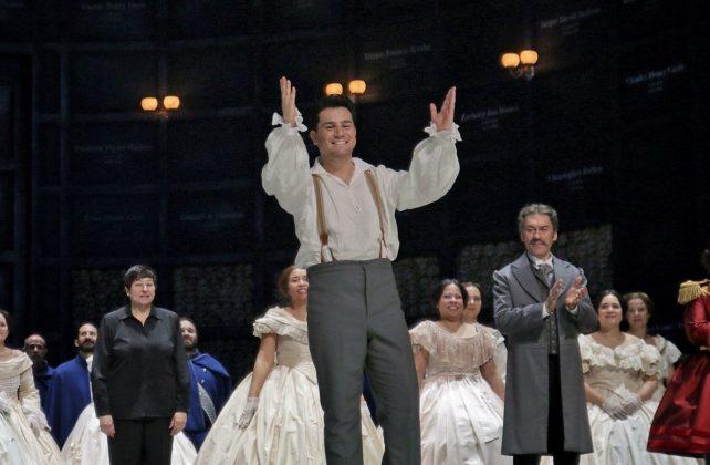 """""""I FRYMËZUAR NGA…""""/ Saimir Pirgu, pjesë e operës """"Një ballo me maska"""" në Itali"""