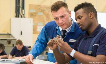 MUNGESË NË TREGUN E PUNËS/ Gjermania ka  nevojë për 260 mijë punëtorë, përfshihen...