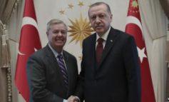"""""""DERI SA TË MPOSHTET""""/ Graham: SHBA të mos tërhiqet ende nga Siria"""