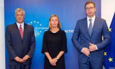 TARIFA NDAJ SERBISË/ Mogherini thirrje Kosovës:  Hiqeni që të krijohen kushtet për një TAKIM mes Thaçit dhe Vuçiç