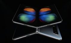 """Smartfoni i parë i përthyeshëm i """"Samsung"""" kushton 2000 dollarë"""