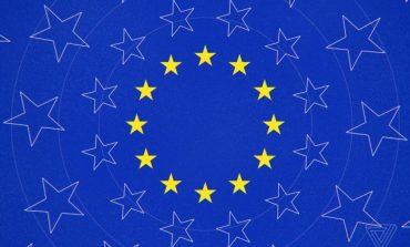"""ZGJEDHJET E BE-SË/ """"Tkurren"""" grupet e mëdha të parlamentit europian"""