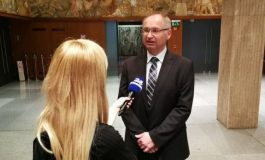 KAPET DUKE VJEDHUR NJË SANDWICH/ Jep dorëheqje deputeti slloven