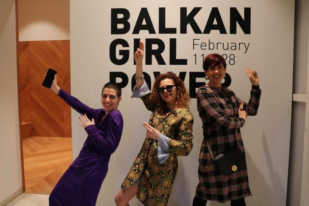 """""""BALKAN GIRL POWER""""/ Çelet ekspozita e 34 vajzave nga 5 vende të Ballkanit Perëndimor"""