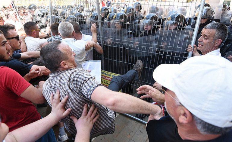 PROTESTA E 16 SHKURTIT/ Policia: Individë me PRECEDENTË duan të destabilizojnë vendin
