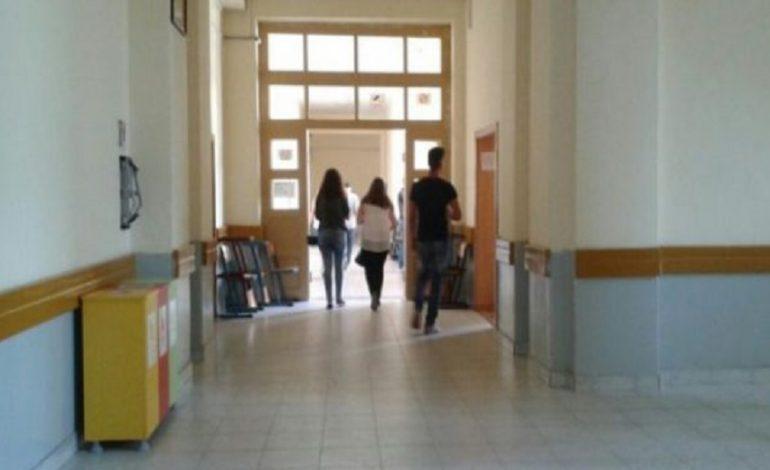 """DROGË DHE ALKOOL/ Adoleshentët shqiptarë nën """"thundrën"""" e veseve (VIDEO)"""