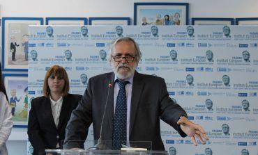 Mehmet Kraja: Bashkimi i Shqipërisë me Kosovën s'duhet të ndodhë