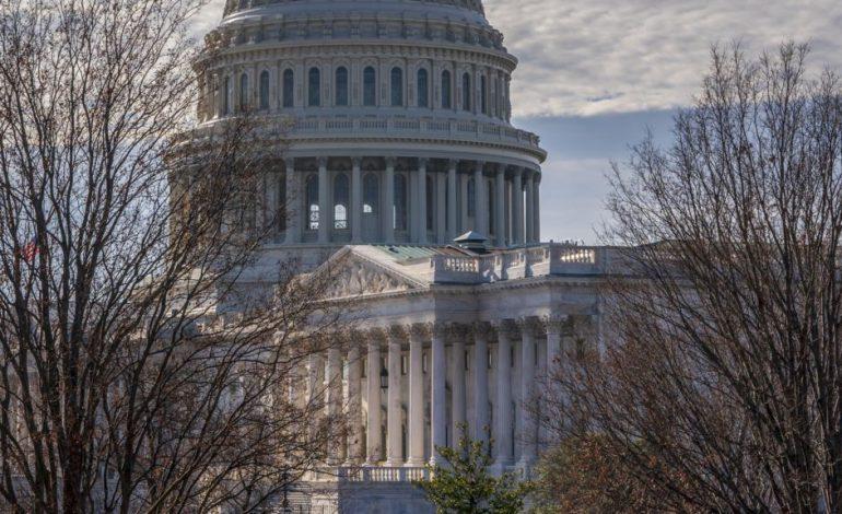 """KAOS NË SHBA/ Senati voton kundër """"emergjencës kombëtare"""", sfidon Presidentin"""