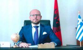 """SKANDALI I PASHAPORTAVE/ """"Furtunë"""" në ambasadën shqiptare në Greqi, lirohet nga detyra konsulli në Janinë  (EMRI)"""