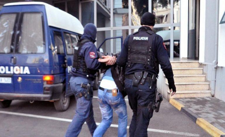 """""""KTHE BORXHIN OSE JEP PRONAT""""/ Zbardhen emrat e të arrestuarve për fajde në Shkodër"""