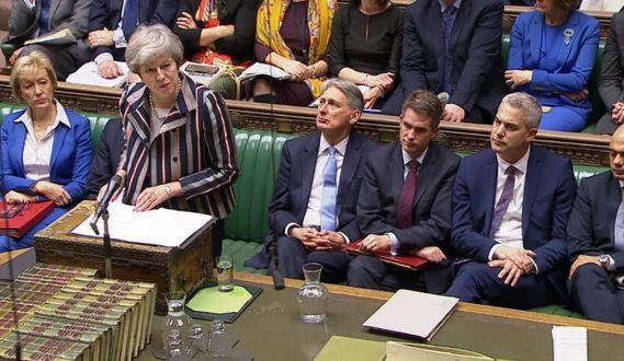 """PËR DISA MUAJ/ Parlamenti britanik voton sot për shtyrjen e """"Brexit"""""""