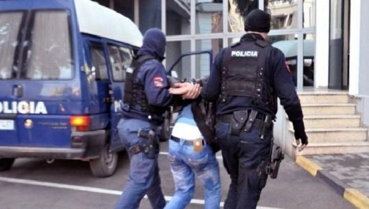 E RËNDË NË BERAT/ Dhunonin prindërit, prangosen dy agresorët