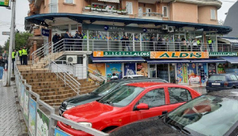 GRABITET BANKA/ Si arritën personat e maskuar të merrnin 100 mijë euro, sulmuan…