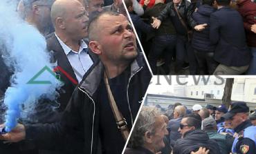 """PROTESTA E OPOZITËS/ Edhe """"DAILY MAIL"""": Më PAK protestues, mbaroi...shpejt! (FOTOT)"""