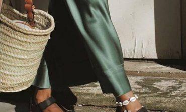 TRENDET E VERËS/ Sandalet që mund ti veshim në zyrë dhe që janë lehtësisht të kombinueshme me gjithçka