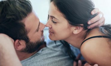 CILAT JANË GABIMET MË TË MËDHA QË BËNI NË SEKS? Jua thotë gjinia tjetër