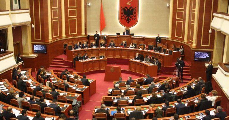 """NJË TJETËR """"RRJEDHJE"""" NGA LISTAT E LSI-s/ Ja kush është """"tradhtari"""" që pritet të hyjë në Parlament (EMRI)"""