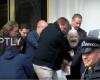 FILMUAN ARRESTIMIN E ASSANGE/ Media ruse sfidon britanikët: Ne punojmë kur ju flini (VIDEO)
