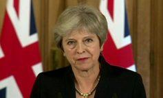 """PAS 3 """"DËSHTIMESH"""" TË BREXIT/ May i reziston nismës kundër lidershipit të saj"""