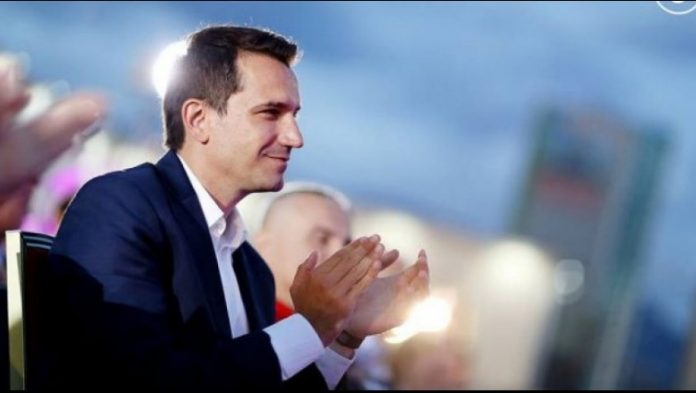 INTERVISTA/ Veliaj: Administrata e sali Berishes dhe Petrit Vasilit vodhi lekët për…