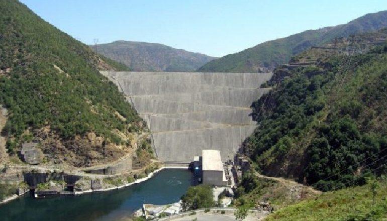 """ENERGJIA """"ME SYTË"""" NGA ZOTI NGA ZOTI/ 100 milionë euro për importet"""