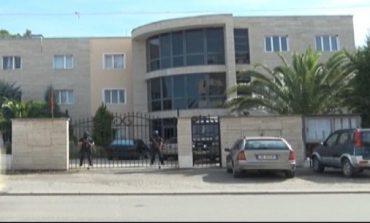 """VETTINGU E LË ME DY GJYQTARË/ Gjykata e Laçit ngre alarmin """"SOS"""": Nuk formohet trupa"""