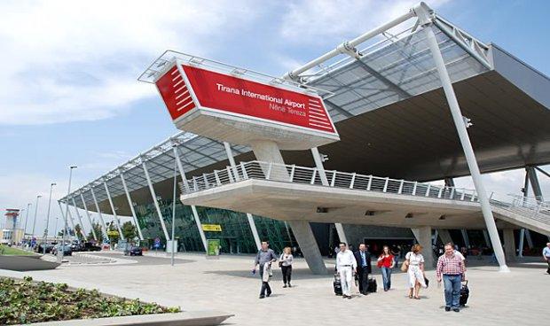 DEKLARON GJYSMËN E XHIROS/ Aeroporti i Rinasit shënon rekord fitimesh në kulmin e…