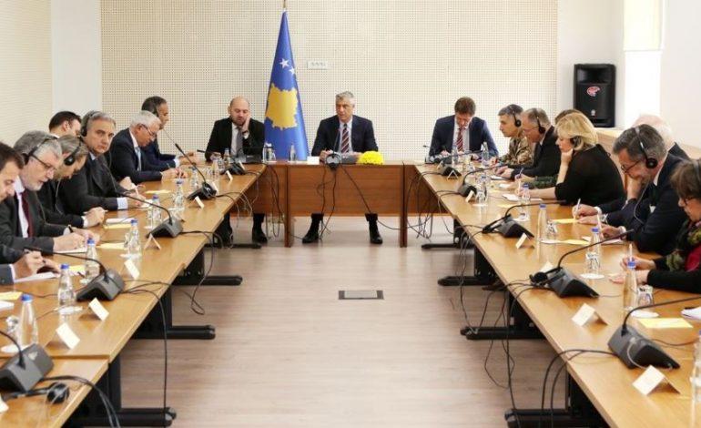 """""""TAKSA DO MBETET""""/ Thaçi i zhgënjyer: Mungesë e unitetit të BE-së kundrejt Kosovës"""