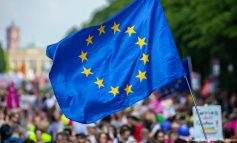 """""""VOTOJNË 21 SHTETE TË BE-s""""/ Ngrihet sipari për finalen e zgjedhjeve evropiane"""