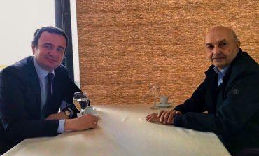 """""""MOCION MOSBESIMI""""/ Albin Kurti dhe Isa Mustafaj bashkohen në kafe, gati plani për rrëzimin e Haradinajt"""