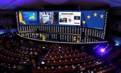NATË E GJATË NË BRUKSEL/ PPE dhe PSE humbin vende në Parlamentin Europian