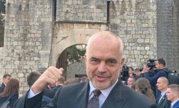 """PROVOKIMI I ALFRED PEZËS/ Cikël shkrimesh për politikën shqiptare, frymëzuar nga """"Game of Thrones""""!"""
