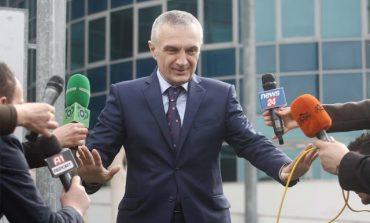 """""""DO JAP DORËHEQJE OSE DO VRAS VETEN""""/ Dy """"KËRCËNIMET"""" e Metës, Shqipëria mund të mbetet pa President!"""
