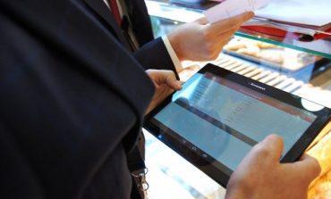 """""""DOGANA PA LETRA""""/ Ministrja Denaj: Shërbim i ri online për bizneset, reduktohet..."""