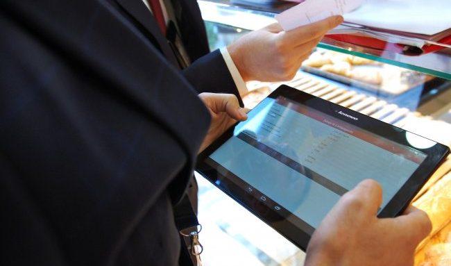 """""""DOGANA PA LETRA""""/ Ministrja Denaj: Shërbim i ri online për bizneset, reduktohet…"""