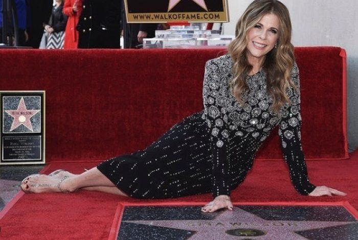 """ZBULON ORIGJINËN ÇAME/ Aktorja e """"Hollywood"""" prek me dedikimin ndaj NËNËS: Edhe një fetë…"""