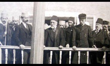 """EKSPOZITA/ Dorian Koçi: Një """"rrugëtim"""" i jetës së Ismail Qemalit drejt Kosovës"""