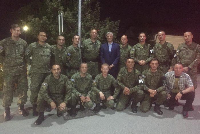 """""""NË 20 VJETORIN E LIRISË""""/ Thaçi krah ushtarëve të Kosovës: Edhe sot në shërbim të atdheut"""