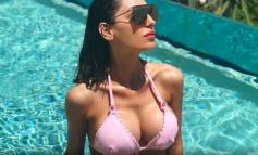 """ËSHTË TIFOZE E """"ZJARRTË"""" E JUVENTUS/ Bukuroshja super seksi tregon """"armët"""" e saj në pishinë (FOTO)"""