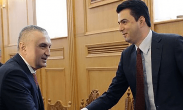 ANALIZA/ Hallet personale të Ilir Metës që po fusin në kurth edhe Partinë Demokratike