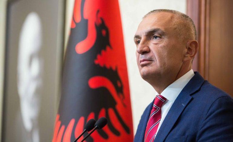 """""""FRIKËSOHET"""" NGA SHKARKIMI/ Presidenti Meta njofton takime me krerët e partive"""