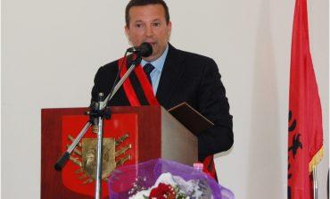 THELLOHET SKANDALI/  Kryetari i bashkisë Berat jep me qera tokë në ditët...