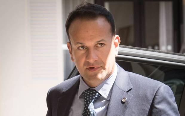 """MARRËVESHJA """"BREXIT""""/ Kryeministri irlandez: Britania po i bën llogaritë…"""