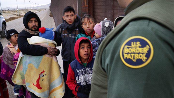 """BARRIERA PËR EMIGRANTËT/ Meksika """"blindon"""" kufirin me SHBA-në"""