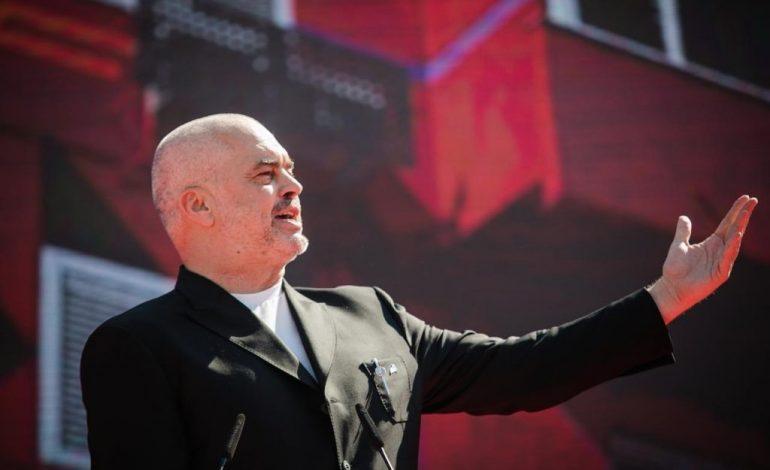 """""""PARAKALON"""" PARA…/ Momenti kur kryeministri Rama mbërrin në Shkodër (VIDEO)"""